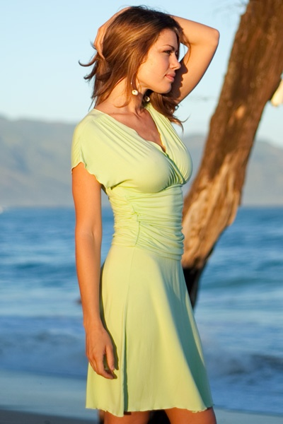 Mermaid dress - form-fitting - side ruching - pistachio - side view - Island Importer
