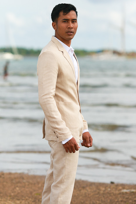 Men's Custom Natural Linen Suit Beach Weddings & Grooms Side