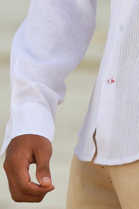 Men's Linen Guayabera Long Sleeve Havana White Shirt Back